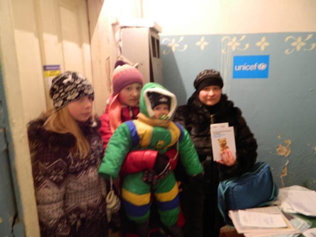 """""""Бахмут Український"""" завершив розповсюдження наборів від ЮНІСЕФ для переселенців, які мешкають в нашому місті"""