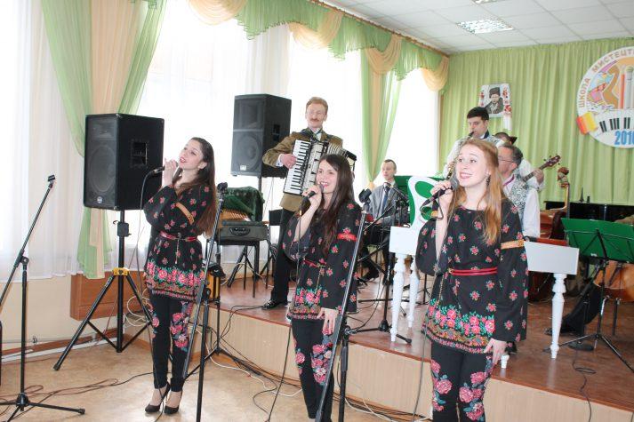 Від Львова до Бахмута: Галицькі музики та поети завітали на Схід
