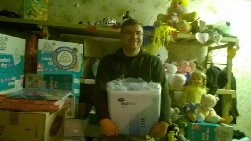 До Бахмуту приїхав вантаж з памперсами та іграшками!