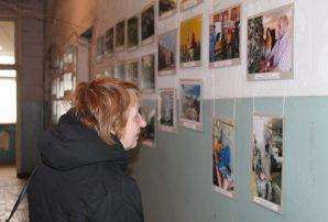 Волонтери, картини та бійці (ФОТО)