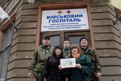 Що єднає українців? БТР-и, прапори та дитячі малюнки (ВІДЕО)