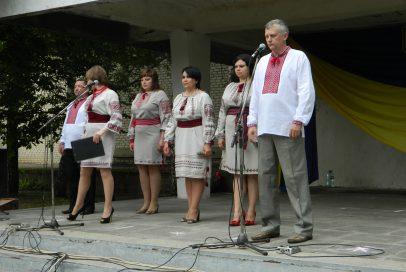 На святі у селі Званівка плакали та співали (фото)