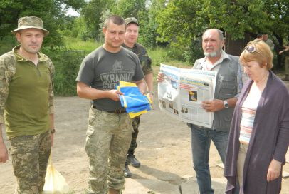"""""""Бахмут Український"""" побував з подарунками на передовій (Фото, Відео)"""