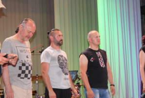 """Гурти """"Музичного Батальону"""" привітали бахмутчан з Днем Прапора (ФОТО)"""