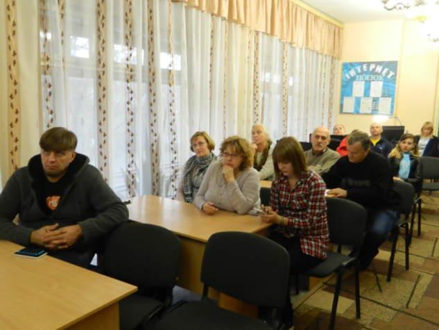 """Волонтерка """"Бахмута Українського"""" презентувала книгу коміксів про війну"""