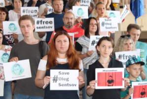 Акція #FreeSentsov у Бахмуті: як це було (фото і відео)